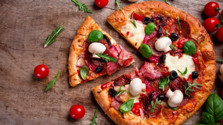 Начинка для пиццы: три варианта приготовления