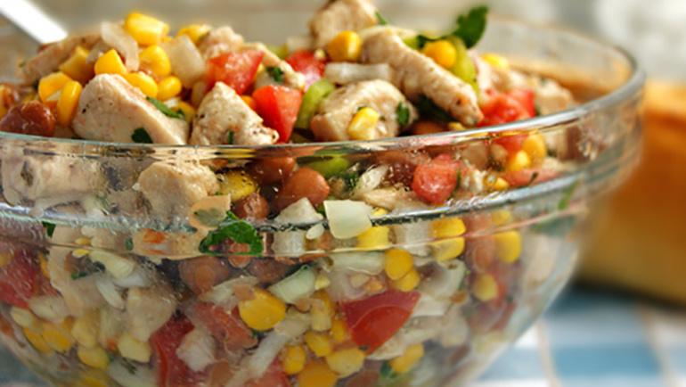 Рецепт приготовления салата с индейкой и кукурузой